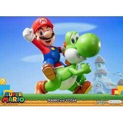 Super Mario Estatua Mario & Yoshi 48 cm